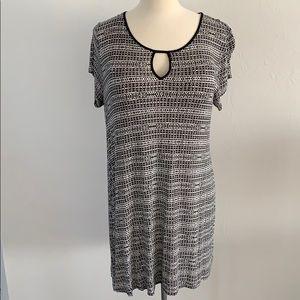Black/White 🔥SALE🔥 dress with peep hole neckline